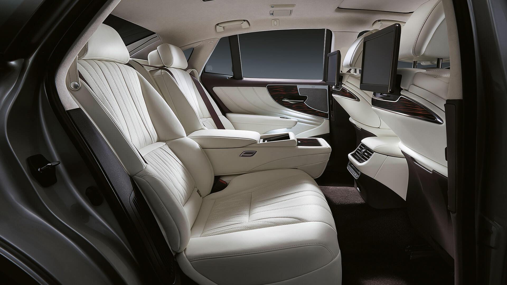 2018 lexus ls features leather seats