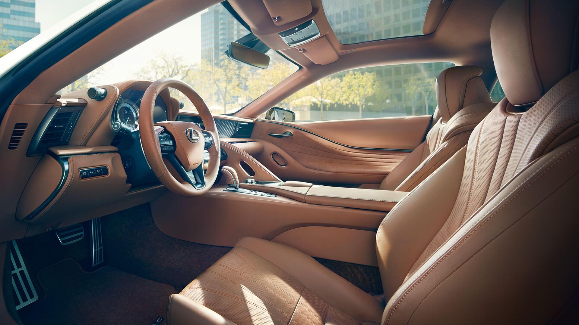 Lexus LC Interior Sitze und Lenkrad Setenansicht