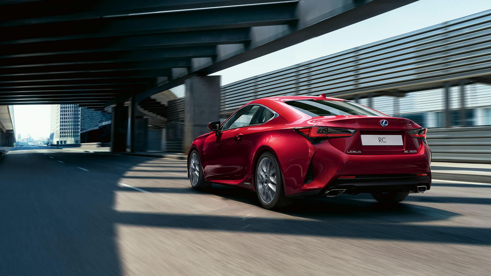 Lexus RC rot hinten