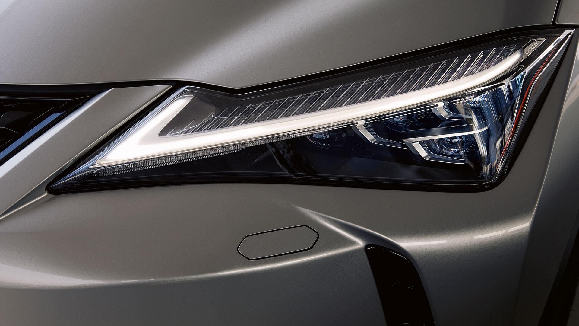 Lexus UX Scheinwerfer Nahaufnahme