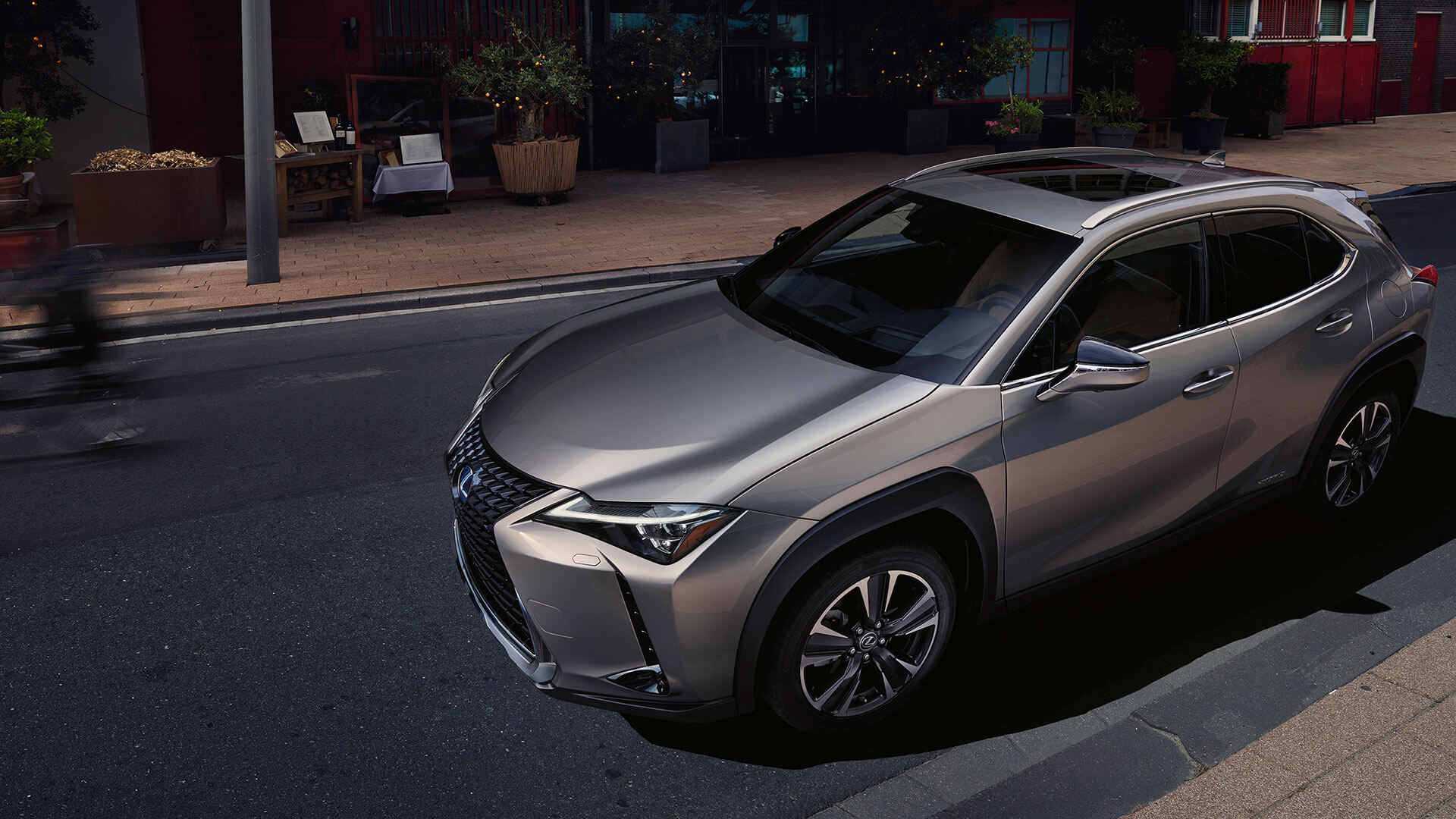 Lexus UX obere Seitenansicht