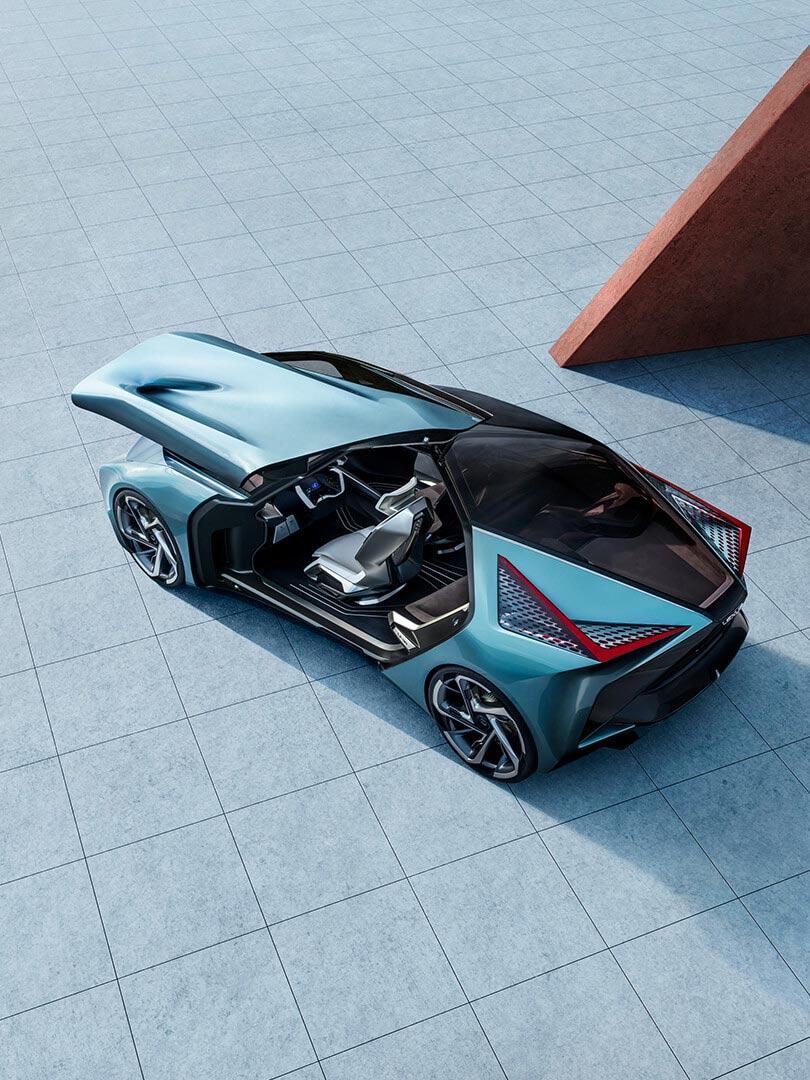 Lexus LF 30 Konzeptauto mit geöffneten Flügeltüren