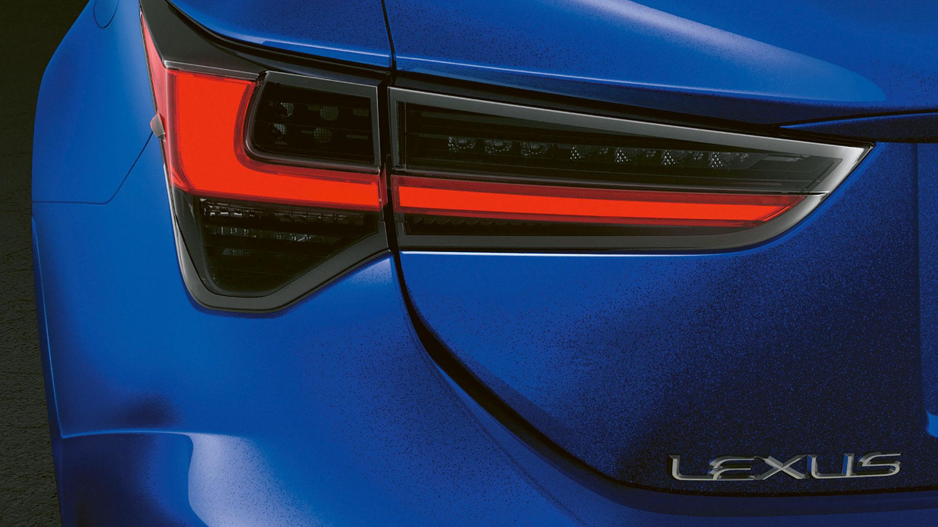 Lexus RC F Rücklicht links