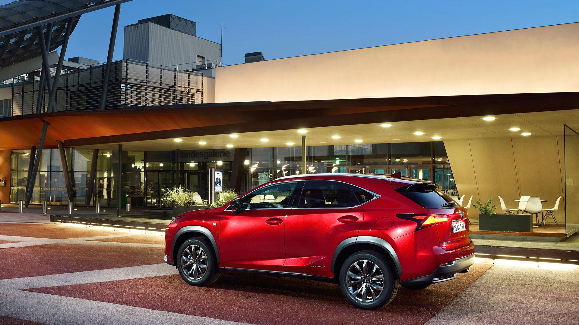 emisiones de sus vehículos CO2 NOx Lexus hero asset