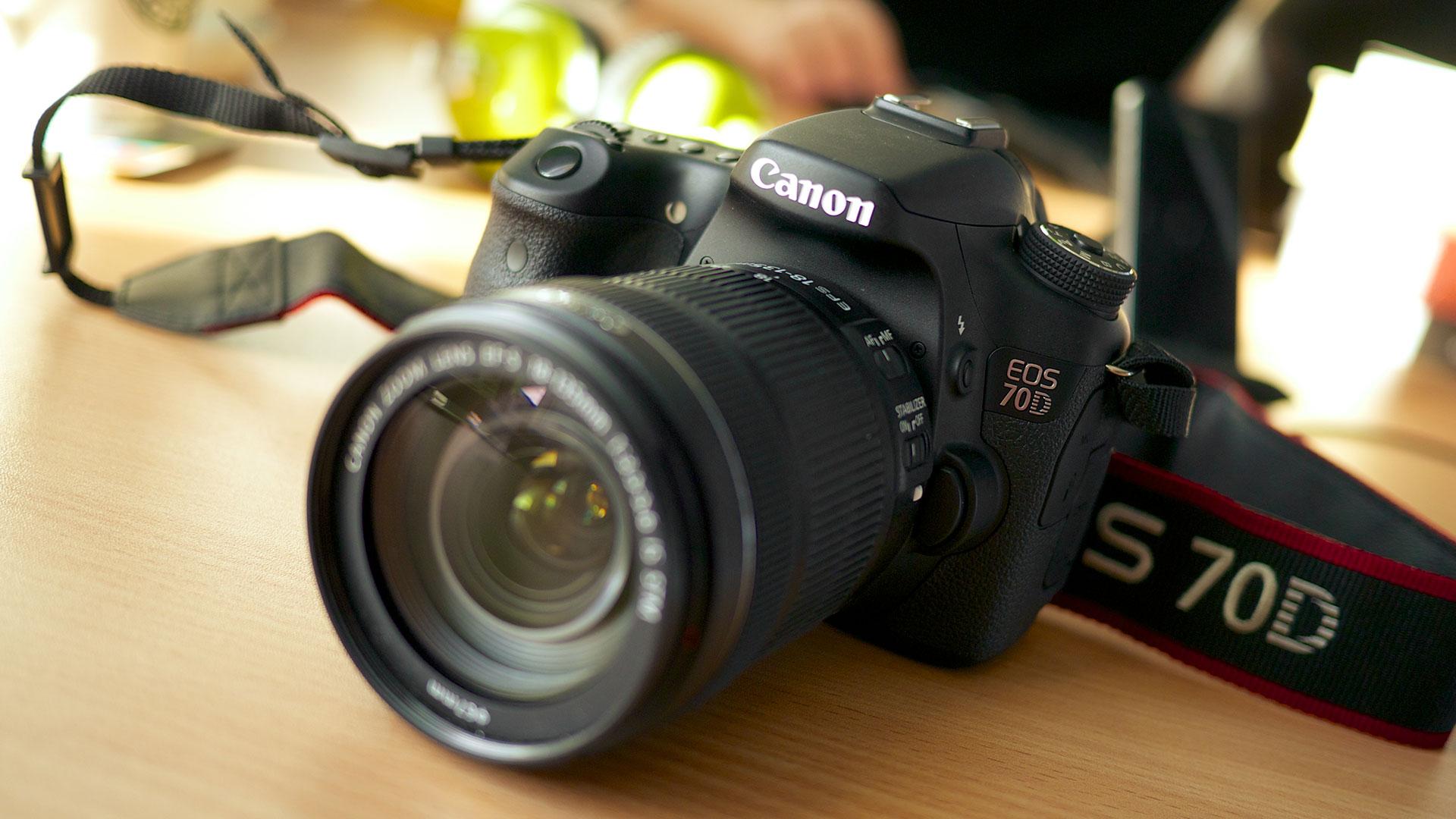 Canon vuelve a fascinar al mundo hero asset