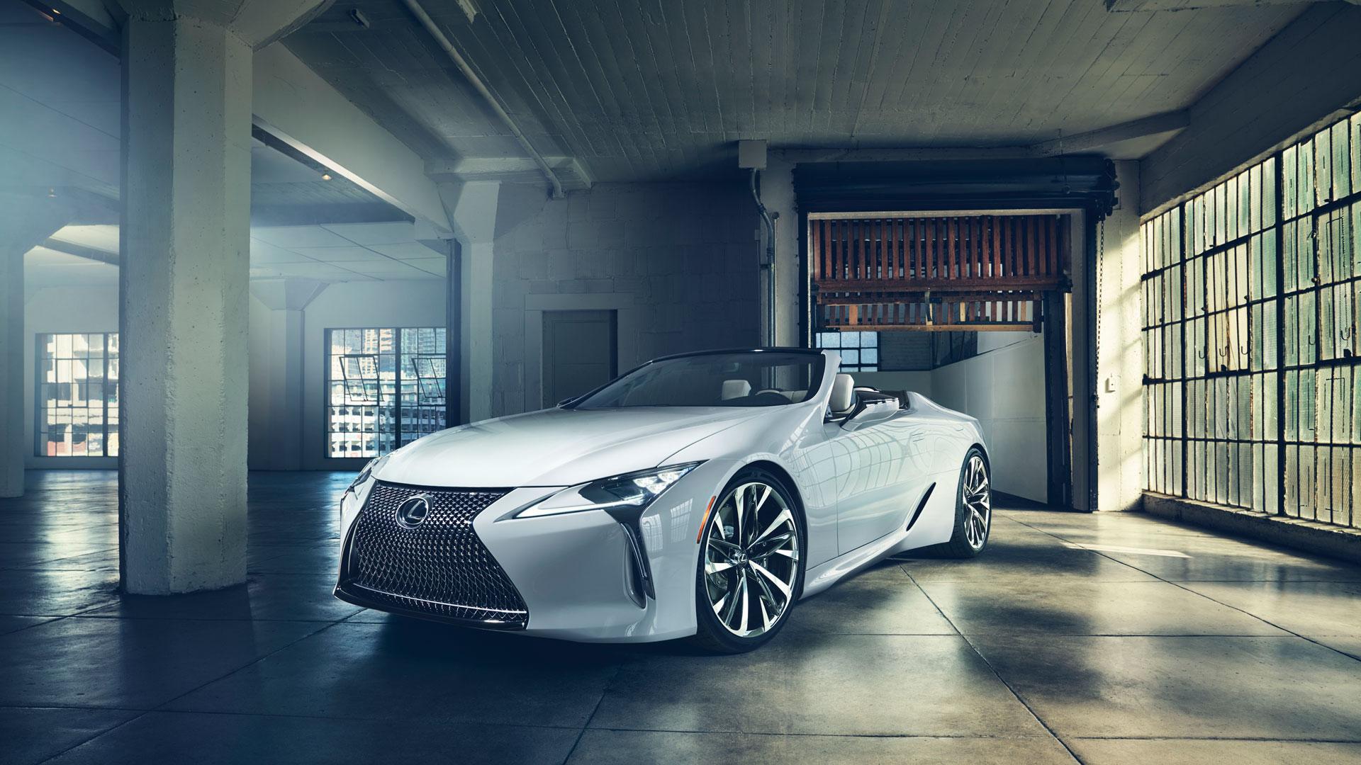 Imagen de estudio del prototipo Lexus LC en color blanco