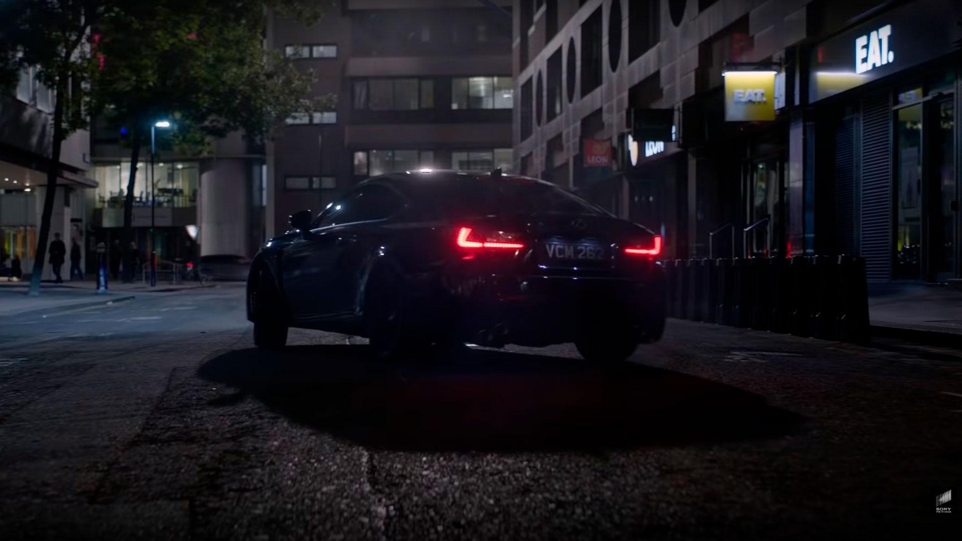 Imagen de la película Men in Black con el Lexus RC