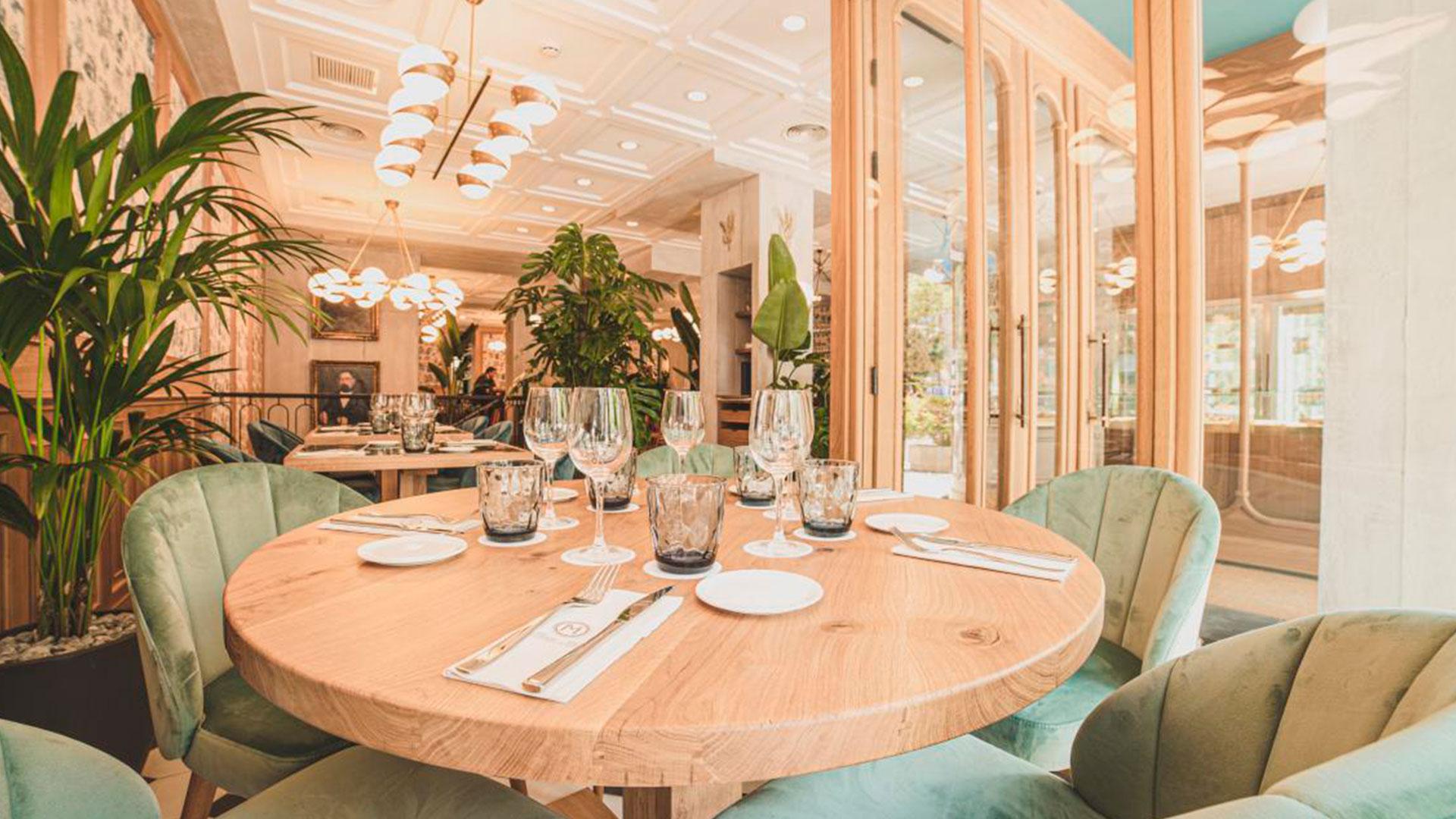 Un café parisien en el centro de Madrid hero asset