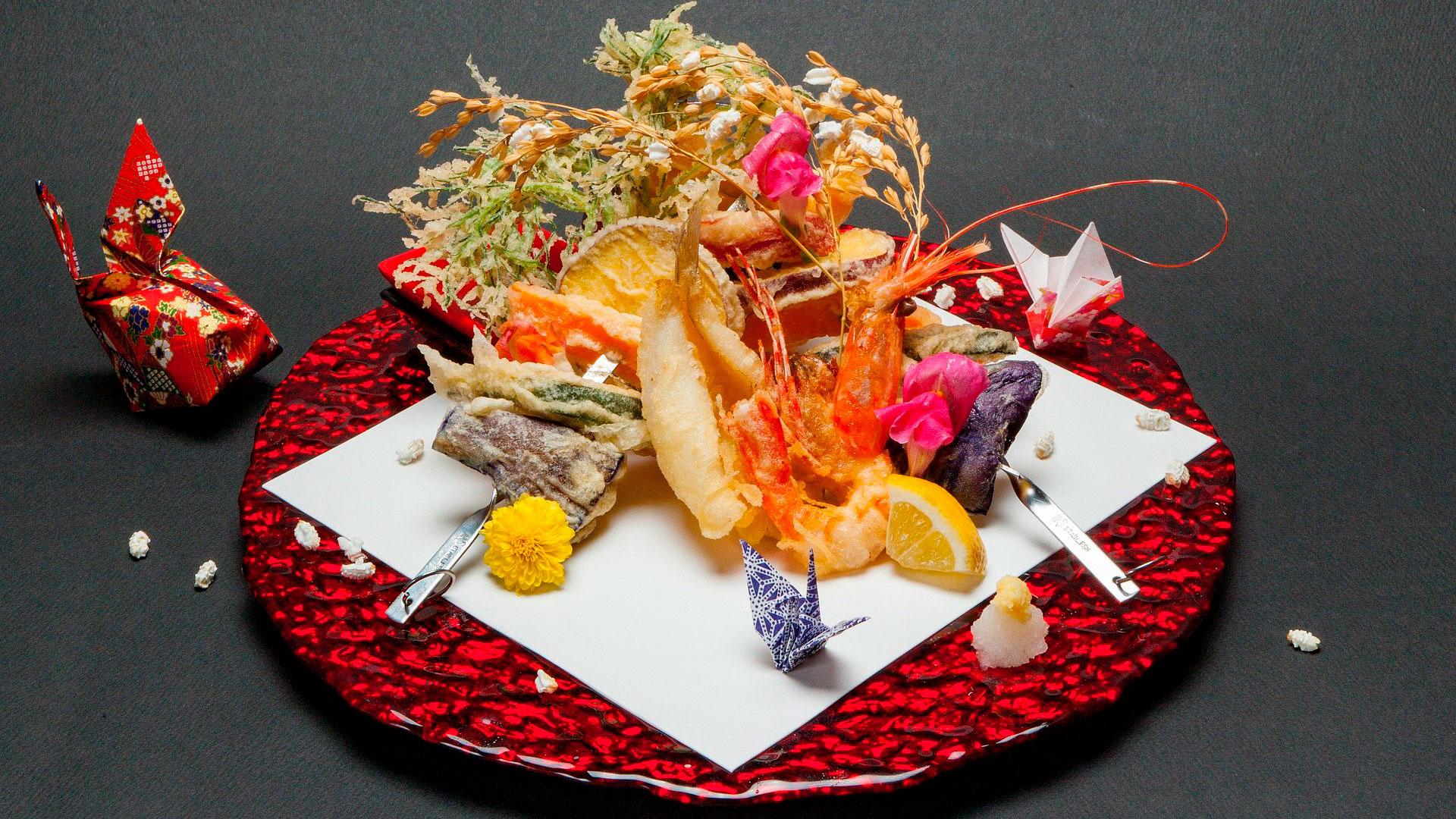 Imagen de un plato de comida japonés