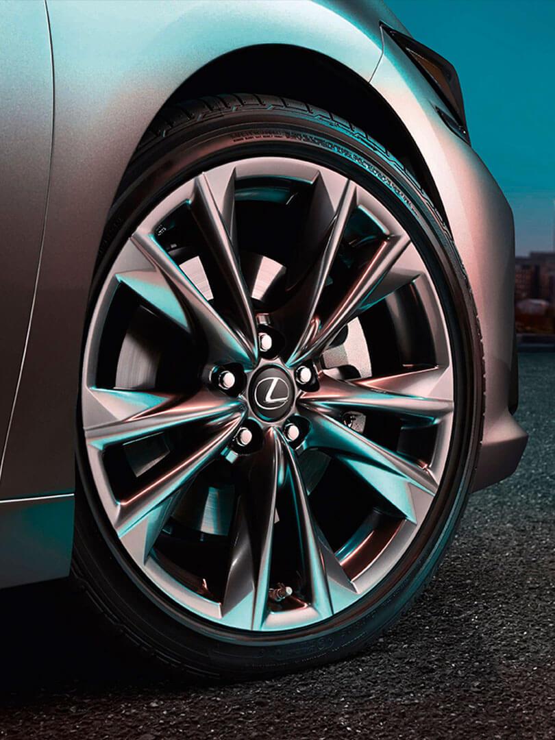 2018 lexus es reviews car buyer