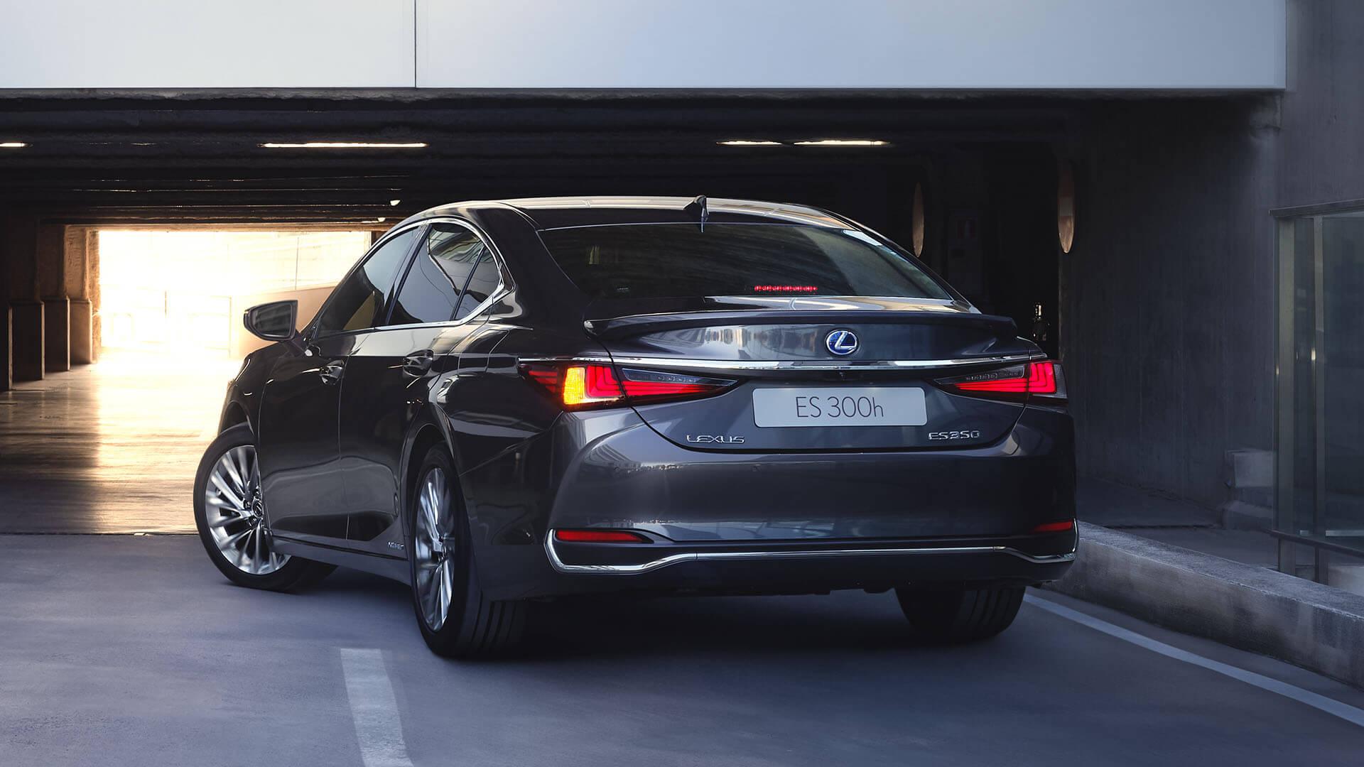 2022 lexus es experience exterior back rear led lights