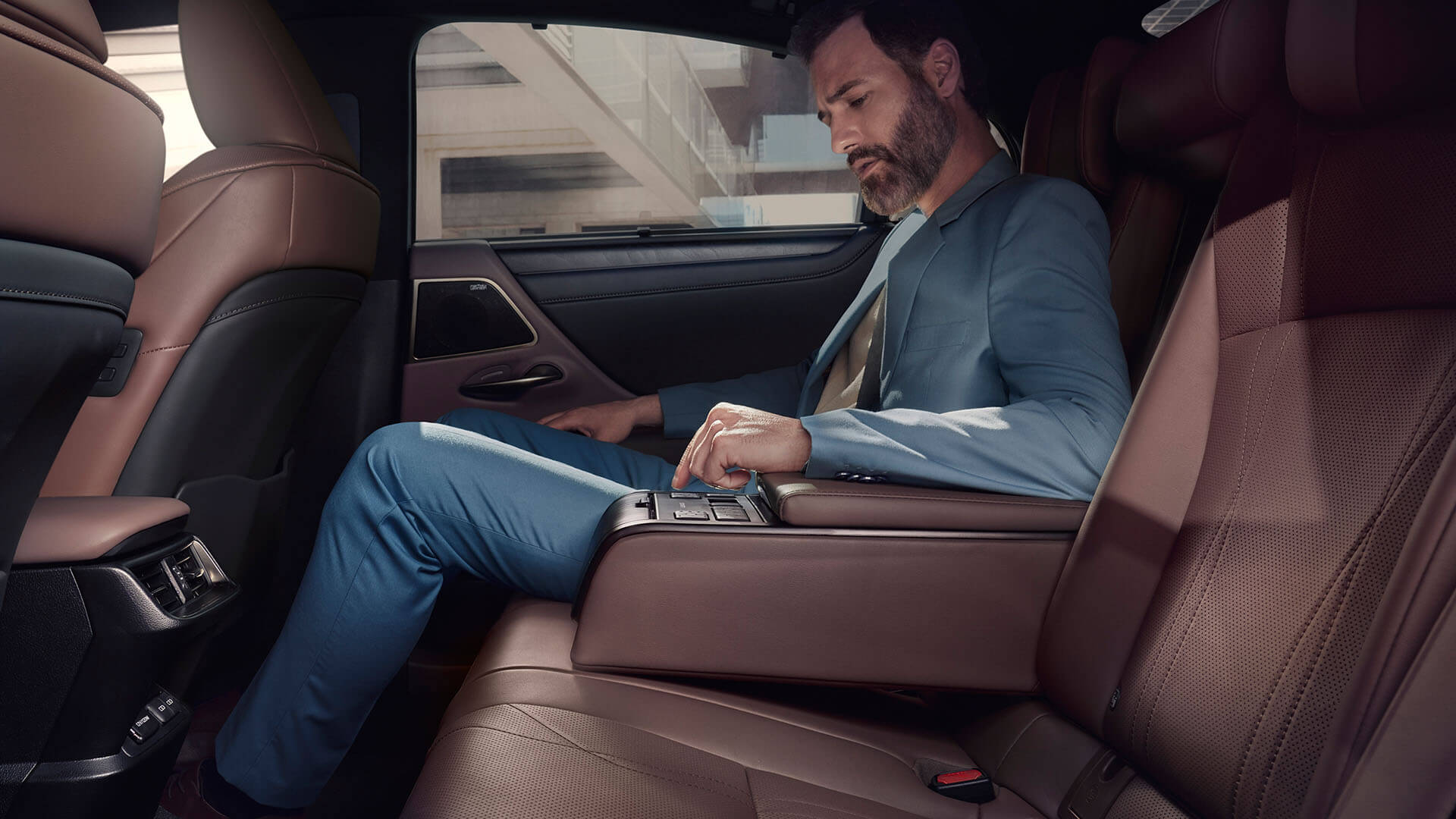 2022 lexus es experience interior back rear seat armrest sunshade