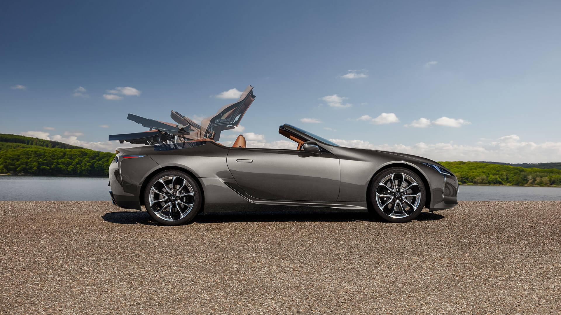 LC Convertible Best Luxury Car Award 02
