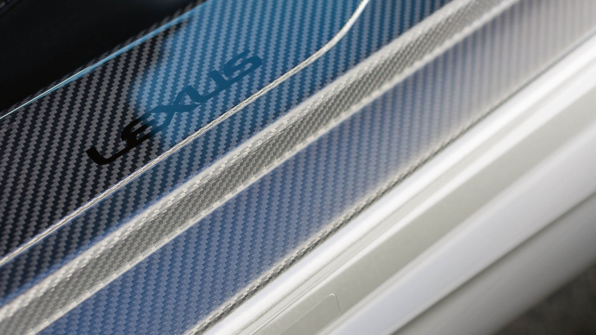 2017 lexus lc 500h features carbon fibre technology