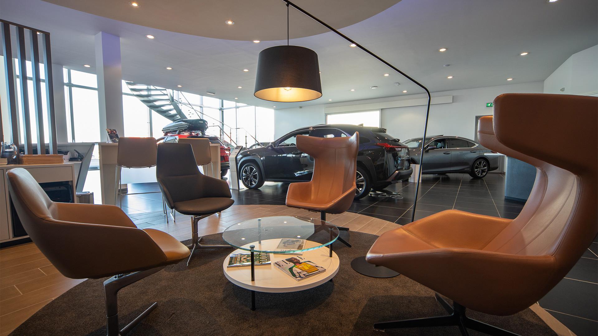 Showroom van Lexus Eindhoven