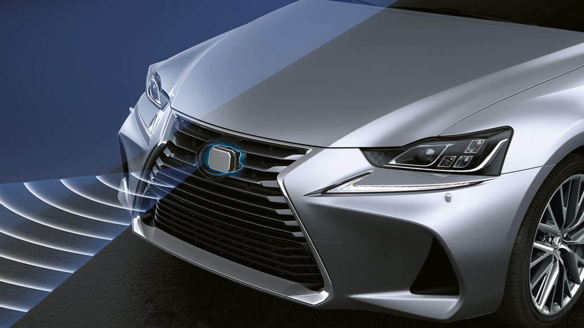 Lexus Safety system in voor bumper