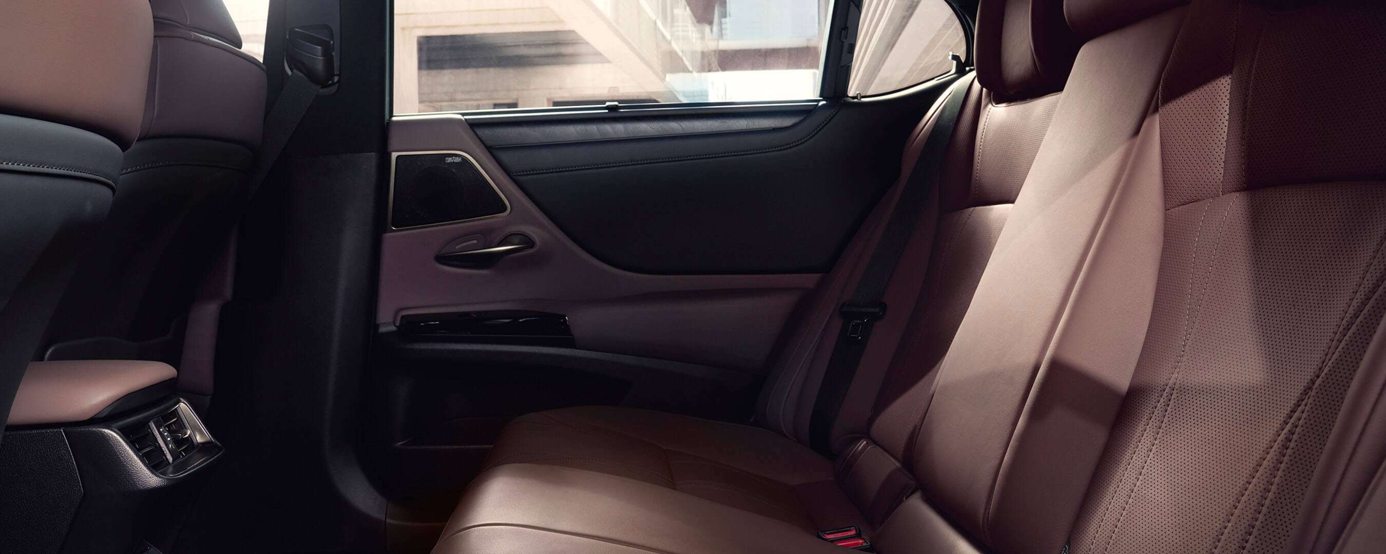 2022 RU lexus es overview experience hero interior back