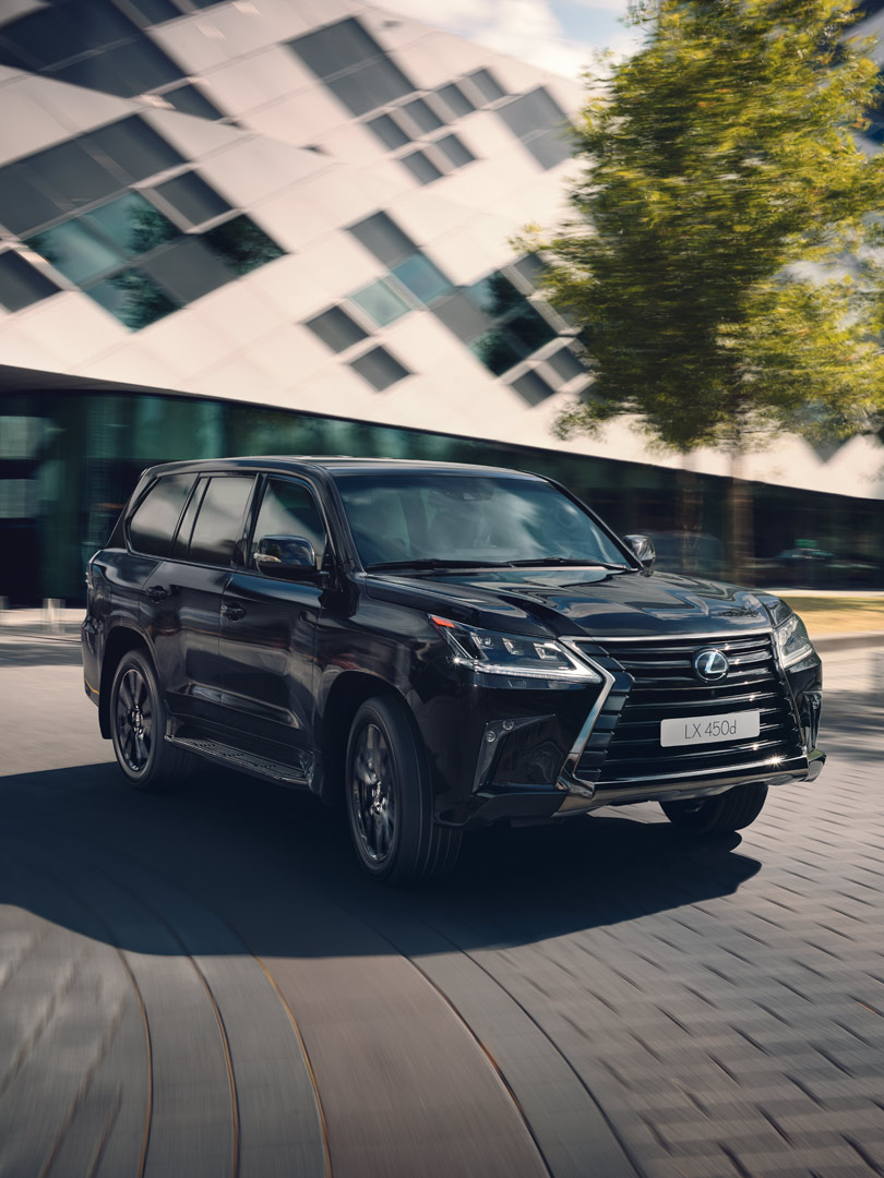 LX 570 Black Vision Picture