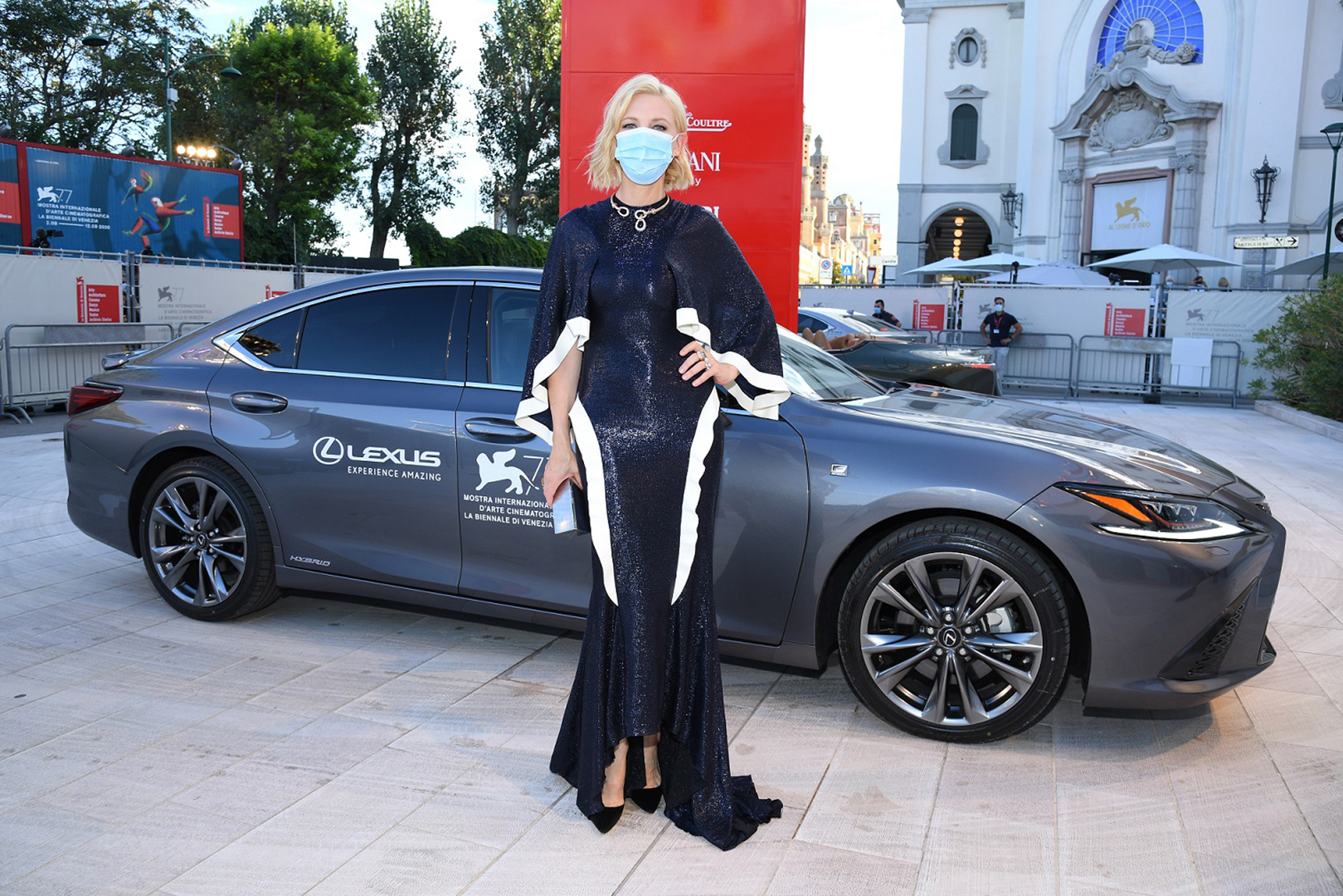 Lexus Venedik'te Kırmızı Halının Yıldızı Oldu gallery02