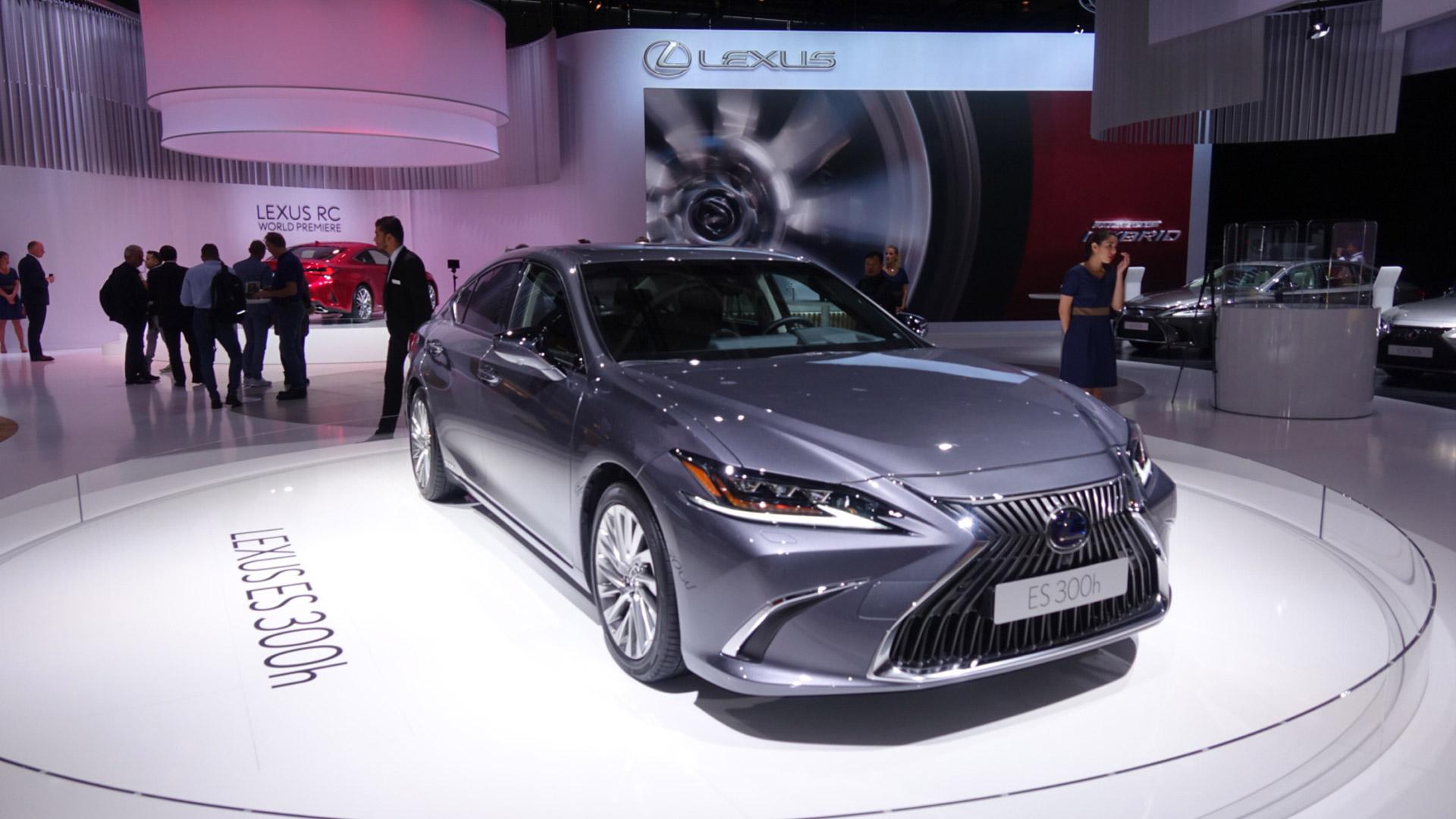 Lexus Paris Otomobil Fuari gallery01