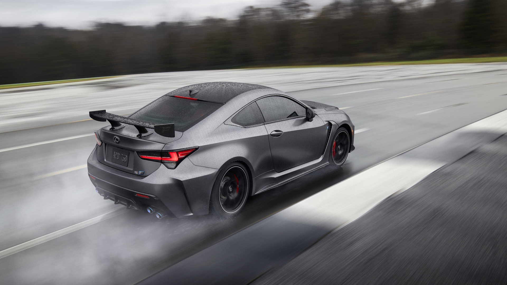 Lexus Pist Odaklı RC F'i Ve Yeni RC F'i Sergiledi gallery04