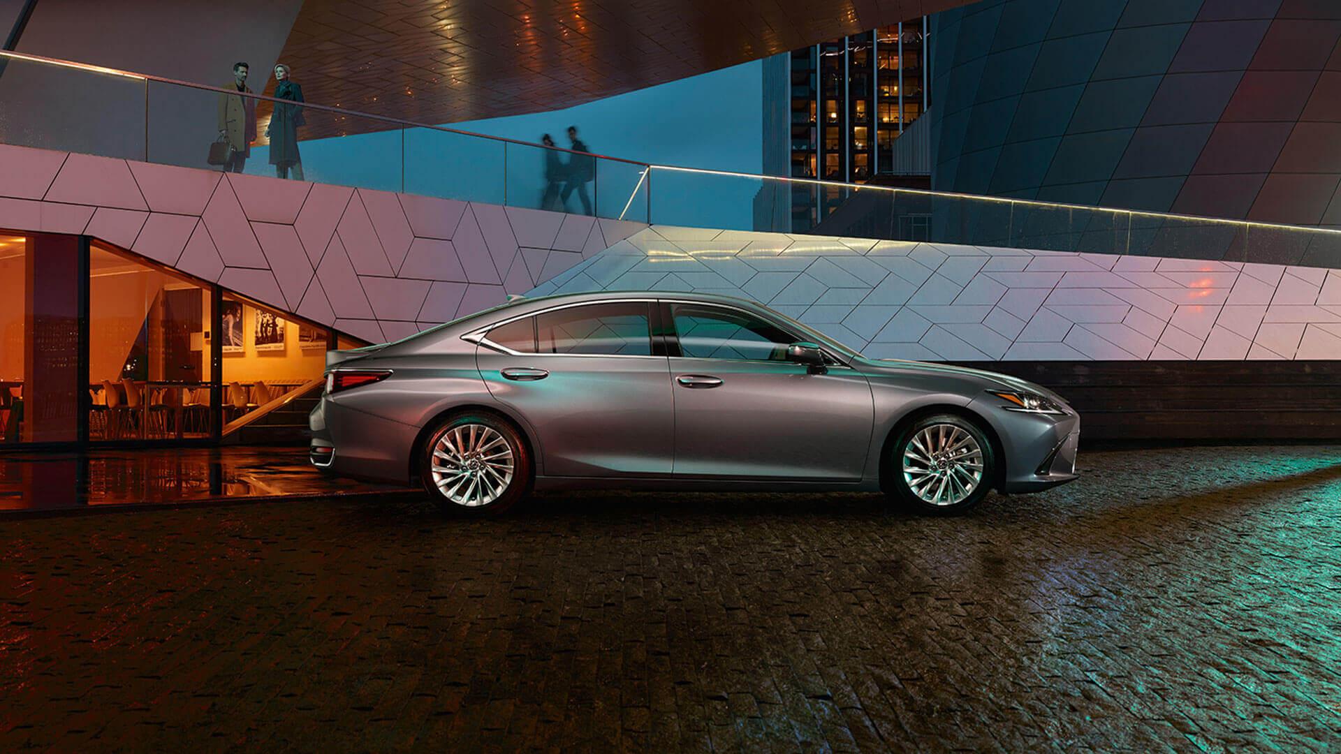 Дипломатичні продажі Lexus
